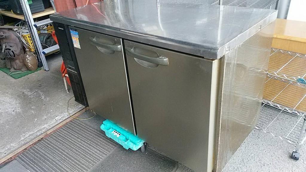 ホシザキ台下冷蔵庫清掃前
